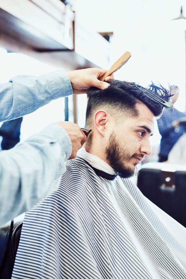 Salon Coiffure Distinctive - Nos services de coupe de cheveux pour hommes